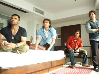 Movie Still From The Film Loot,Suniel Shetty,Mahaakshay Chakraborty,Jaaved Jaaferi,Govinda