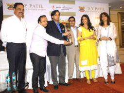 Photo Of Dilip Vengsarkar,Asif Bhamla,Shashi Tharoor,Eesha Koppikhar From The Press meet of DY Patil Annual Achiever's Awards