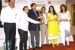Photo Of Dilip Vengsarkar,Asif Bhamla,Shashi Tharoor,Eesha Koppikhar From The Press meet of DY Patil Annual Achiever's Awards
