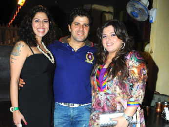 Photo Of Tanaz Irani,Bakhtiyaar Irani,Delnaz Paul From The Tannaz Irani's surprise birthday party for Bakhtiyaar Irani