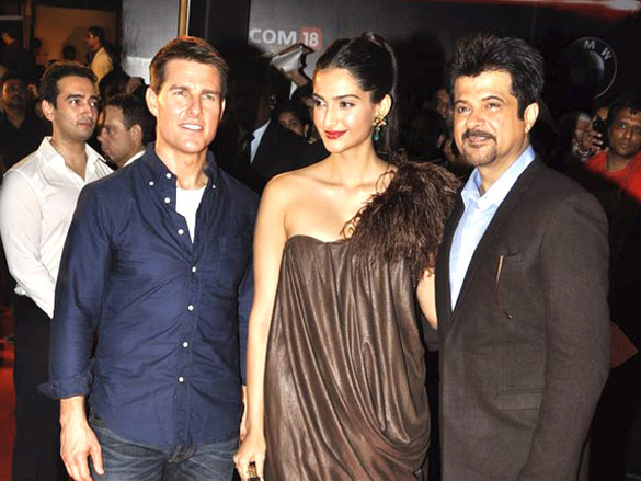 Photo Of Tom Cruise,Sonam Kapoor,Anil Kapoor From The Special Screening of 'Mission Impossible - Ghost Protocol'