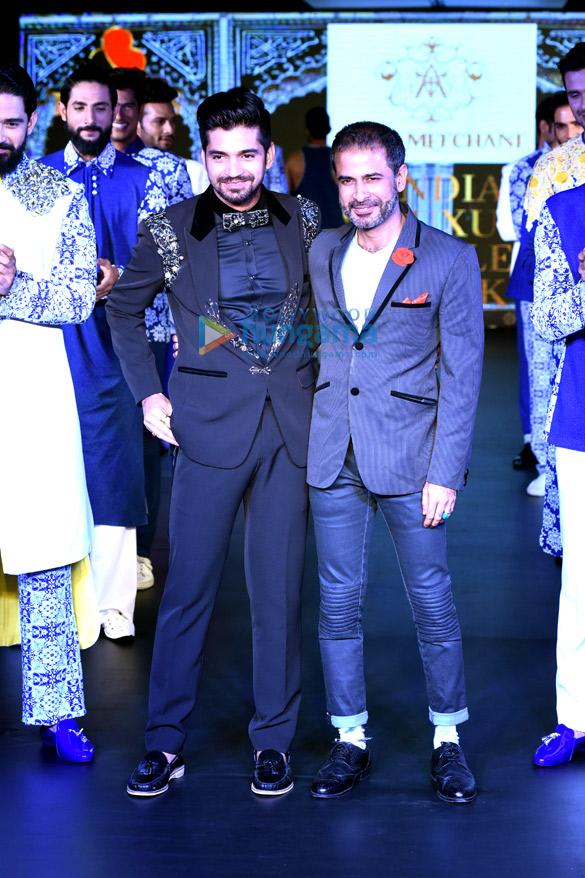 Vijay Singh, Aasif Merchant