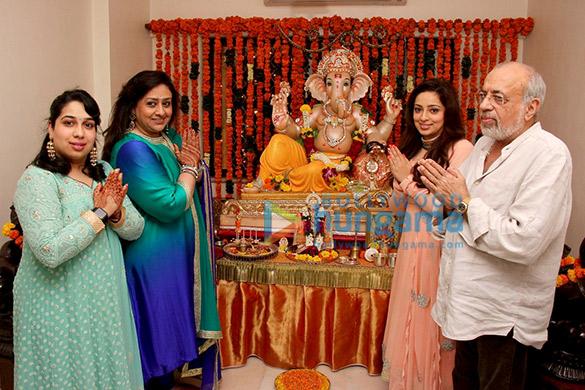 Siddhi Dutta, Bindiya Goswami, Nidhi Dutta, J P Dutta
