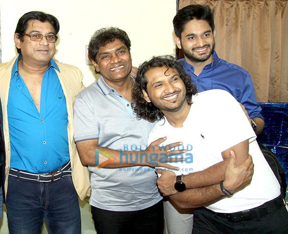 Amit Kumar, Johnny Lever, Siddhant Bhonsle, Sumeet Kumar