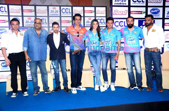 Sohail Khan, Boney Kapoor, Dinesh Lal Yadav, Sonu Sood, Kriti Sanon, Riteish Deshmukh, Bobby Deol, Suniel Shetty