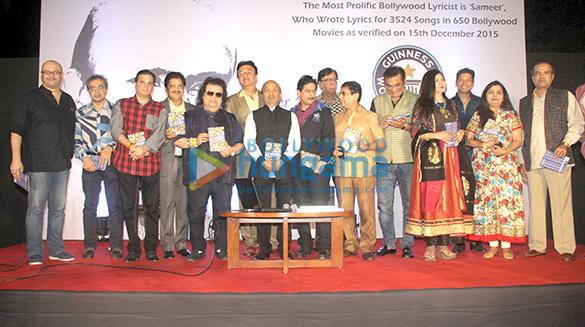 Lalit Pandit, Udit Narayan, Bappi Lahiri, Anu Malik, Sameer, Milind, Abhijeet, Alka Yagnik, Shaan, Suresh Wadkar