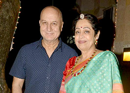 Kirron Kher loses 30 kgs, Anupam follows with 15 kgs
