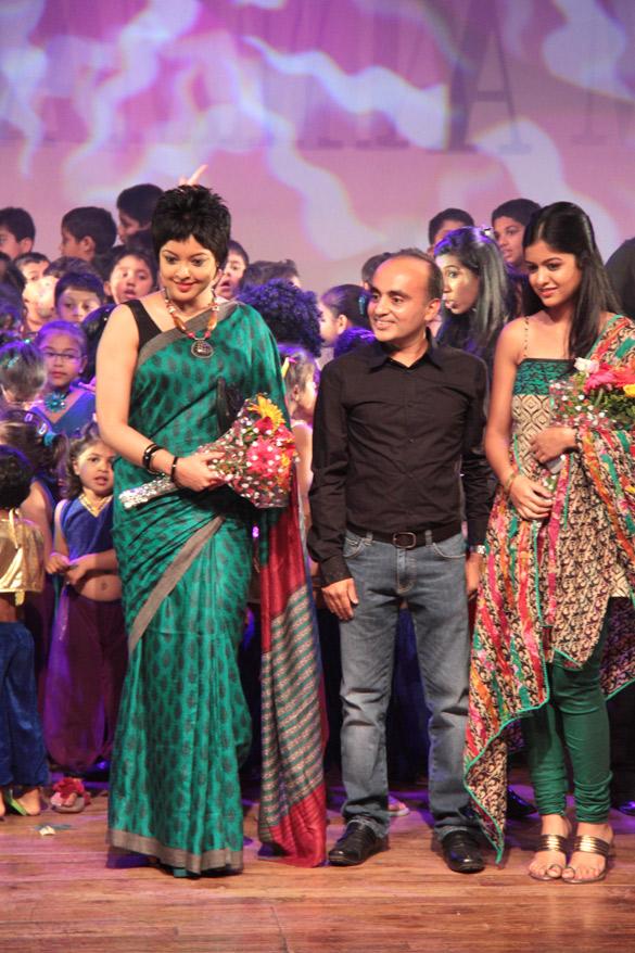 Tanushree Dutta, Ishita Dutta
