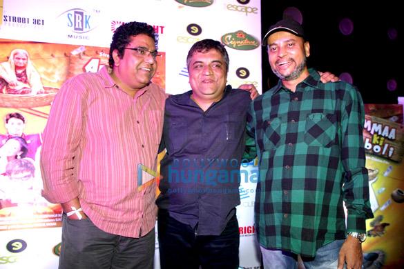 Zakir Hussain, Swanand Kirkire, Narayan Chauhan