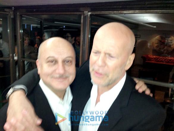 Anupam Kher, Bruce Willis