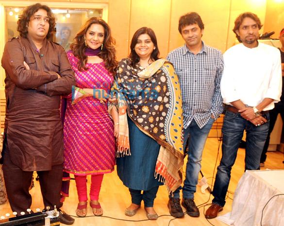Shabab Sabri, Barkha Roy, Bhavna Shresth, Naren Gadia, Atif Khan