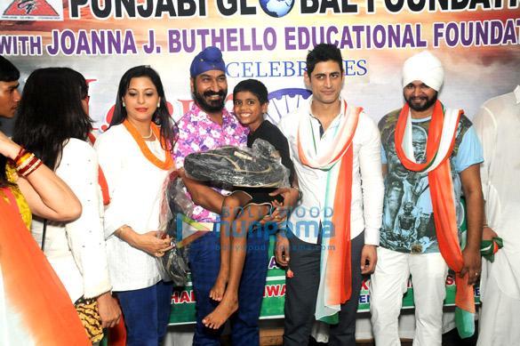 Mansi Pritam, Gurpreet Kaur Chhada, Gurcharan Singh, Mohit Raina, Ramji Gulati