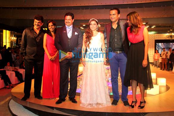 Rajesh Khattar, Nikita Harale, Hasmukh Thakur, Soha Ali Khan, Siddharth Kanan, Nisha Harale