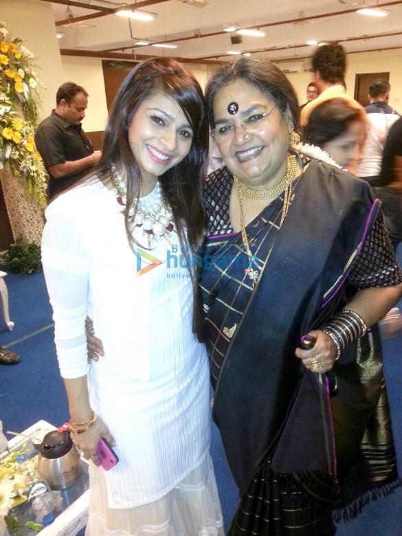 Tanisha Mukherjee, Usha Uthup