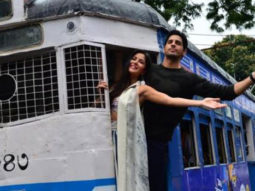 Sidharth-Katrina's HUNGAMA In A Tram In Kolkata