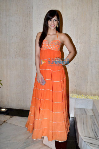 Kriti Sanon, Sonali Bendra & others visit Manish Malhotra's Ganesha celebrations