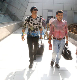 Sushant Singh Rajput & Sunny Deol snapped at the airport