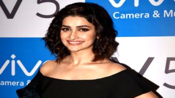 Prachi Desai launches VIVO's latest mobile