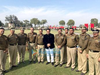 Govinda visits BSF camp in Delhi to promote Aa Gaya Hero