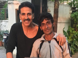 This fan of Akshay Kumar does an unexpected gesture to meet the star