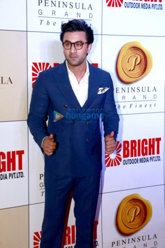 Ranbir Kapoor, Hrithik Roshan, Yuvraj Singh and others grace the 'Bright Awards 2017'