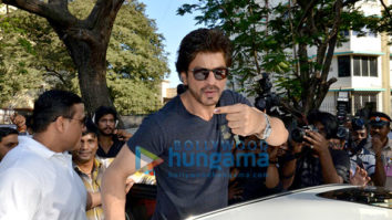 Shah Rukh Khan spotted at the voting booth in Bandra