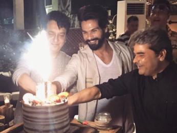 Shahid Kapoor cut his birthday cake with Vishal Bhardwaj and Sajid Nadiadwala-1