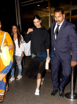 Deepika Padukone snapped returning from Delhi