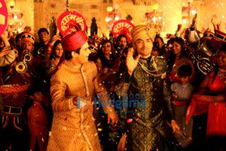 Movie Stills Of The Movie Laali Ki Shaadi Mein Laddoo Deewana