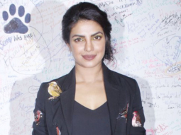Priyanka Chopra Recreates Mujhse Shaadi Karogi Magic With Her Fans video