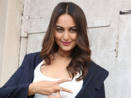 Sonakshi Sinha performs on Move Your Lakk from Noor at Dabangg Tour Hungama