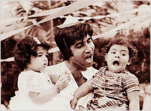 Throwback Tuesday Amitabh Bachchan bonds with toddlers Shweta Bachchan and Twinkle Khanna features
