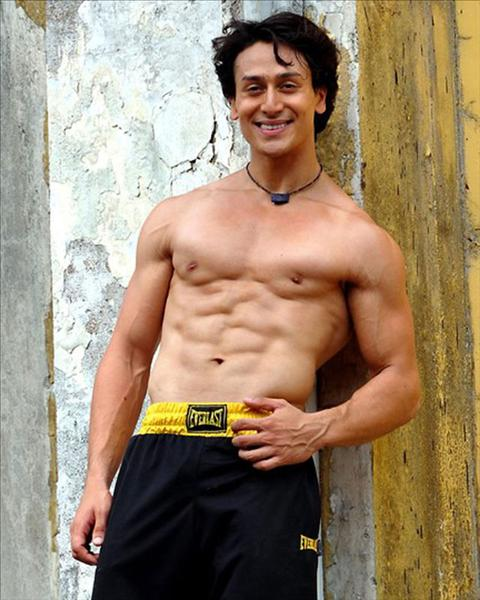 Tiger Shroff Shows Off His Hot Body In This Back Exercise