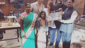 Real PadMan and his wife visit reel PadMan Akshay Kumar and Twinkle Khanna on the sets of their film feature