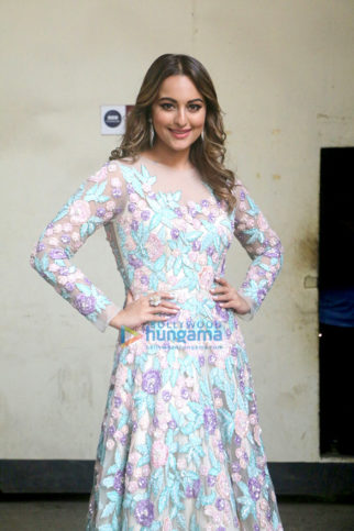 Arjun Kapoor, Anil Kapoor and Sonakshi Sinha snapped on the sets of Nach Baliye