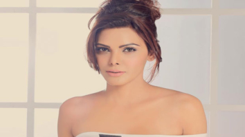 Sherlyn Chopra ups the heat quotient sporting an off shoulder top