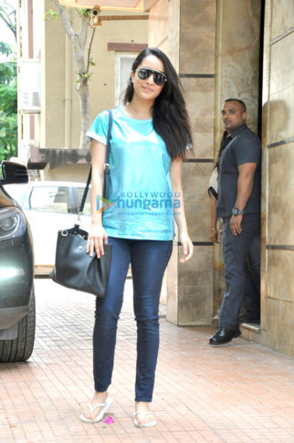 Shraddha Kapoor snapped post her meeting with Apoorva Lakhia