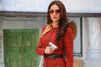 Esha Gupta's look in Baadshaho inspired by veteran actors Zeenat Aman and Parveen Babi feature