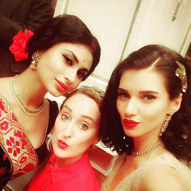 WOW! Mouni Roy looks gorgeous in this new song for Gold ...