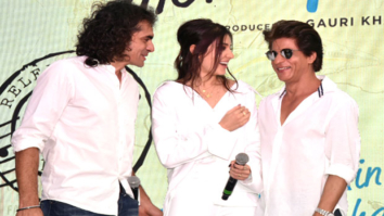 Shah Rukh Khan's HILARIOUS Reply On If He Is A ROMANTIC Husband  Hawayein Song Launch