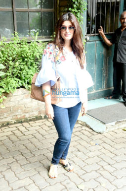 Twinkle Khanna and Anu Diwan snapped post lunch in Bandra