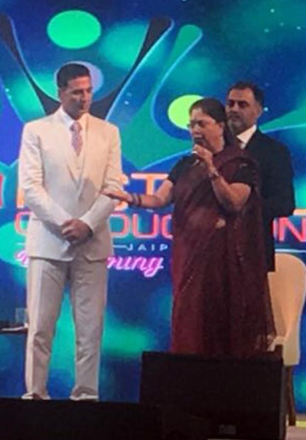Akshay Kumar meets Chief Minister of Rajasthan Vasundra Raje