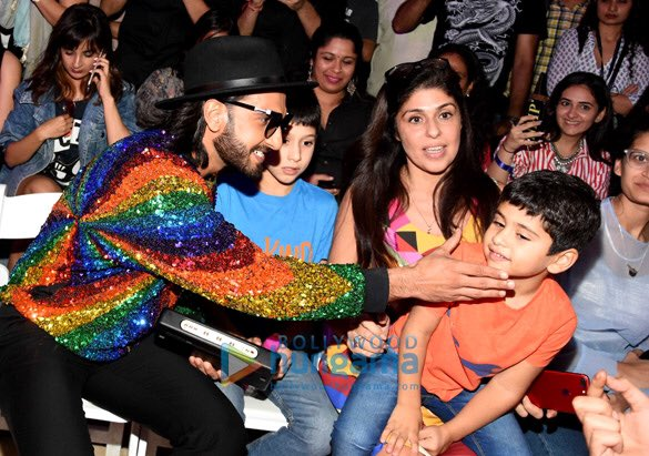 Check out Ranveer Singh added more sparkle and colour with his rainbow jacket at the Lakme Fashion Week 2017 (3)