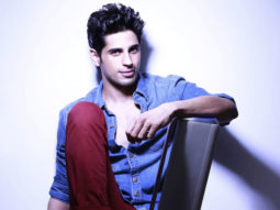 Here's how Sidharth Malhotra spent half of his first pay cheque that he received for Student Of The Year  features