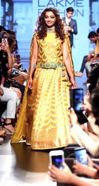 Radhika Apte walks for Shailesh Singhania at Lakme Fashion Week 2017
