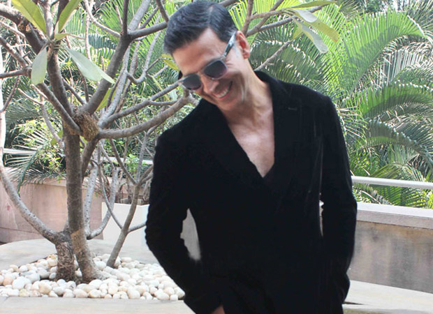 Akshay Kumar's series of tweets