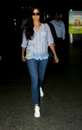 Katrina Kaif and Anushka Sharma snapped at the airport