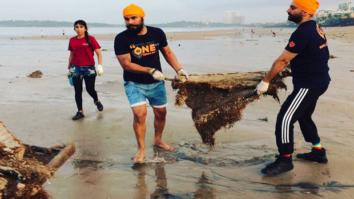 When-Randeep-Hooda-took-up-the-task-of-cleaning-up-Versova-beach-in-Mumbai-1