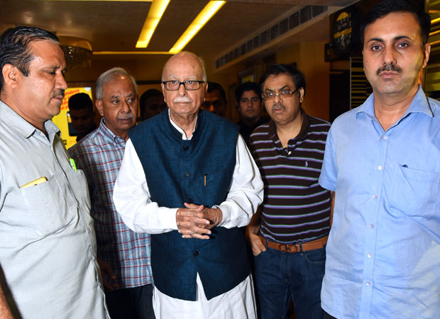 Aamir-Khan-hosts-SPECIAL-screening-of-Secret-Superstar-for-LK-Advani-in-Delhi!