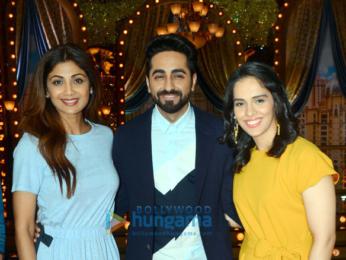 Ayushmann Khurrana and Saina Nehwal snapped on sets of the show 'Aunty Boli Lagao Boli'